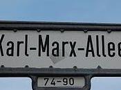 Viaggio Berlino fantasmi pietra Karl Marx Allee