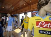 Calcio, Napoli Macron rinnovano fino 2015