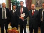 Gianfranco Fini incontra Comunicatore Italiano tema Istituzioni reputation