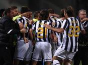 Cagliari-Juventus 0-2, squadra Conte campione d'Italia