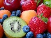 Nespole, fragole ciliegie: benefici della frutta stagione