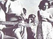 1938: pubblica l'inno alla leccesità