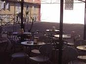 Sabato mattina 8.30Apro portone siedo bar,...