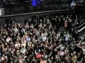 Dance Flash Auckland degli operatori turistici nella hall albergo