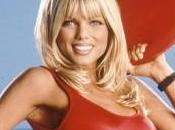 "conversione cattolica dell'ex star ""Baywatch"", Donna D'Errico"