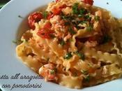 Pasta all'aragosta pomodorini erbe aromatiche