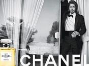 Chanel Brad Pitt alla toilette