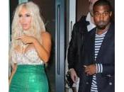 Halloween, Kardashian festeggia Kanye West vestita sirena