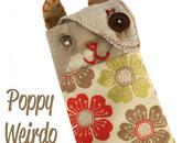Poppy Family: Weirdo phone case handbag