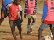 Kenya: educazione attraverso sport nelle slum Nairobi