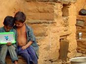 """One laptop Child"" Negroponte l'alfabetizzazione informatica bambini d'Africa"