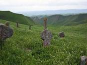 Khaled Nabi, cimitero lapidi forma genitali