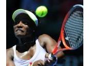 Serena Williams perde, rabbia rompe racchetta: video foto