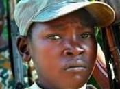 L'adolescenza negata bambini soldato