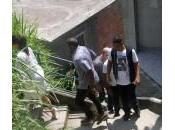 Kardashian, Kanye West Will Smith visitano baraccopoli