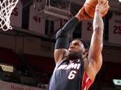 Toronto batte Denver, James altro record