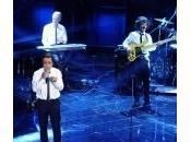 """Sanremo, grande successo Elio Storie Tese canzone mononota"""""""