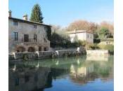Bagno Vignoni, vasca piazza