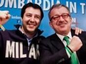 Matteo Salvini festeggiato vittoria Maroni Lombardia. Smentendo mille dichiarazioni contro Berlusconi sull'autobus separato. cervello quello degli extracomunitari portafogli padani.