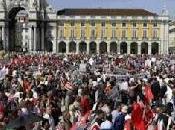 """Portogallo protesta piazza: """"Che troika fotta"""""""