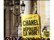 Greenpeace sfida Chanel duello alla settimana della moda Parigi