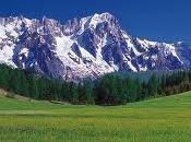 Pasqua: Valle d'Aosta verde prati ultime piste