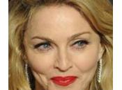 Madonna suoi ballerini improvvisano spettacolo ristorante