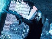 Saldana Chris Pine nelle nuove immagini Into Darkness Star Trek