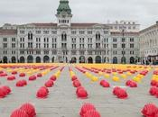 Edilizia protesta caschetti gialli rossi