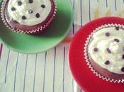 Budini-cupcake cioccolato fondente topping philadelphia
