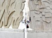 PIAZZA DUOMO MILANO: sculture Pietro Consagra restaurate Mercanti Chiara Bisconti
