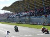 Superbike, Assen: Eugene Laverty vince Gara Guintoli sempre leader mondiale