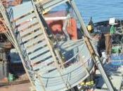 Tragedia genova: nave contro porto. morti.
