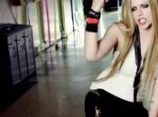 """Avril Lavigne, eterna ragazzina. Scopri """"peter pan"""" degli altri videoclip"""