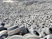 Kuwait deserto degli pneumatici