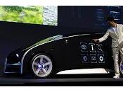 L'auto come smartphone, carrozzeria touch screen