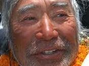 Record Yuichiro Miura anni sfidato gelo insidie dell'Himalaya