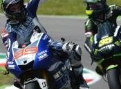 "MotoGP, Mugello: Lorenzo vince terzo anno consecutivo, Rossi ""out"" primo giro"