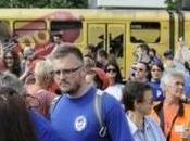 BOSNIA: indignati occupano Sarajevo. primo ministro scappa dalla finestra
