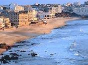 Località estive: Biarritz, California Francia