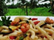 Strozzapreti gamberetti, zucchine pomodorini