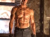 corpo pieno cicatrici Aaron Eckhart nella nuova immagine Frankenstein