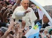 """Papa accolto folla immensa:""""Grazie tutti!"""""""