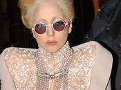 Candids: Lady GaGa Parigi (20/12/2010)