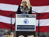Lady Gaga star caritatevole 2010