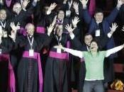 2013: Vescovi Suore danzano, veglia Papa Francesco [Con Fotogallery]