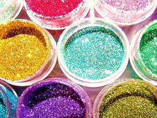 Come applicare glitter make brillante