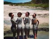 Aida Yespica amiche Formentera: lato ricoperto fango (foto)