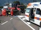 Napoli Posillipo auto travolge scooter Morti giovanissimi