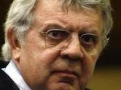 L'avvocato Longo: «Berlusconi chiederà grazia». smentisce